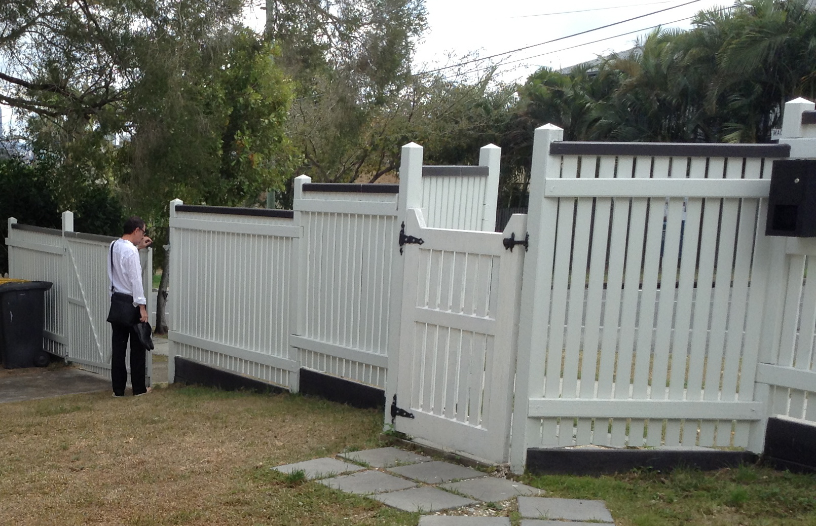 Fence the house that jess built